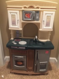 Play kitchen with accessories Falls Church, 22043