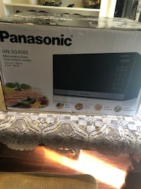 Panasonic Microwave Brand New 0.9 Cubic Feet Mississauga, L5C