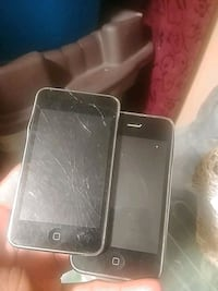 black iPhone 4 and black iPhone 5 Mississauga, L4T