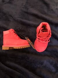 Brand New With Tag Purple Timberland Boots Toddler Size 4