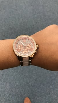 Rose Gold MK Watch with pale pink. Women's fit small. Akron, 44306