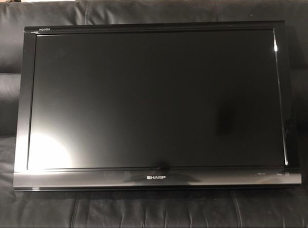 """Sharp LC-C4067UN 40""""TV with wall mount (no stand)"""