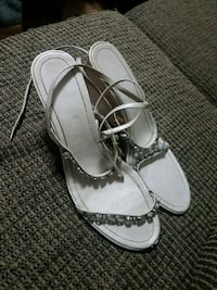 pair of white leather open-toe sandals Toronto, M1E 3C9