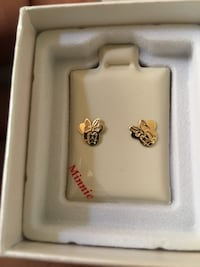 14k Minnie Mouse stud earrings  Towson