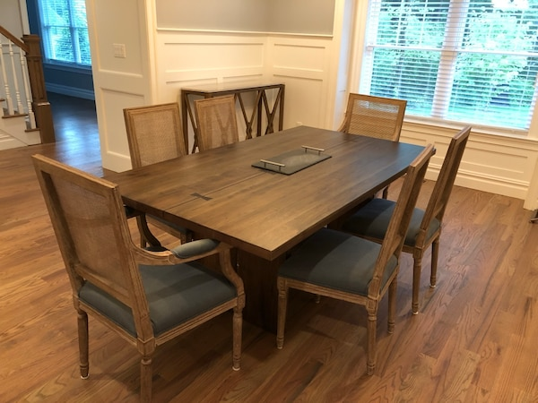 Crate and Barrel Dining Room Table With 6 Chairs 4298f390-f736-44ae-95eb-2e91552368bd