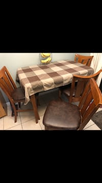 Tall table set solid wood 8 chairs Guelph, N1H 8N6
