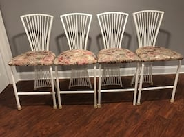 4 white metal barstools with upholstered seats. Extra fabric for free.