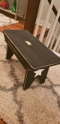 Country Bench black distressed with white star