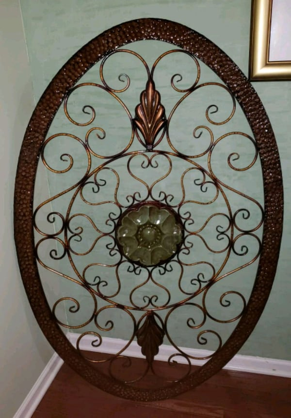 Wall decor..... metal 2d6c625f-737c-48de-8005-b1d3fe6d3c5d