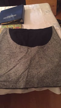 Brand new old Navy size large maternity skirt. Laval, H7Y 2C1