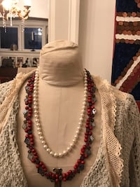 2 beautiful necklace so precious and the red one handmade  Vancouver, V6H 1S7