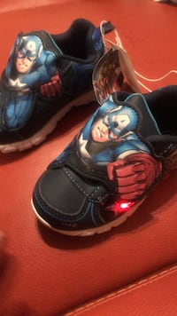 Marvel avengers lighted footwear size 7 Los Angeles, 91402