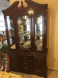 Excellent condition China cabinet  Lansdowne, 20176