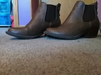 Semi New Size 8 Brown Booties