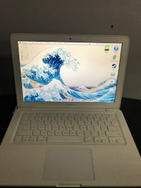 First Generation Apple Laptop North Olmsted, 44070