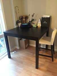 Dining Table and 1 dining room chair Toronto, M6J 3W7