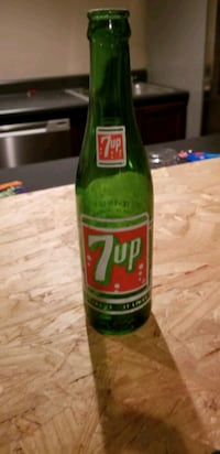 Vintage 7up bottle 10oz Omaha, 68135