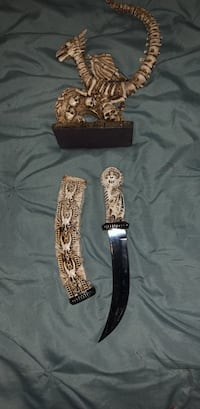Skeleton Knife and Stand Quincy, 02169