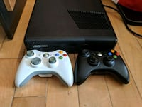 Xbox 360 console with two controllers Montreal, H1X 1A6