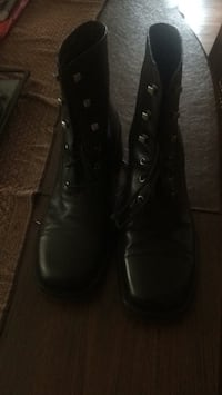 Pair of black leather boots women's 9 1/2 new Baltimore, 21237