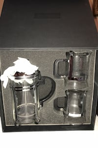 Set of Leed's French press and 2 matching mugs Toronto, M2R 2V1