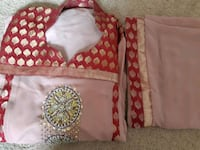 Embroided frok and dupatta size medium ( Airdrie)