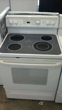 white GE electric stove Greeley, 80631