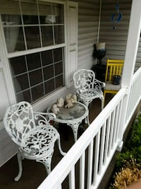 Rot iron table & chairs Harrisburg, 62946