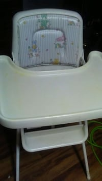 baby's white and gray high chair Caseyville, 62232
