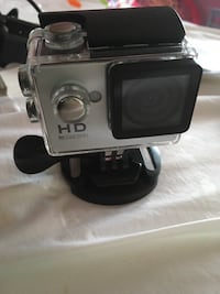 Iessentials action camera with waterproof case. Mississauga, L5V 1M5