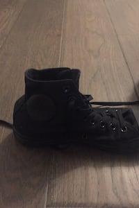 Black converse men's 6.5 great condition Burnaby, V5B