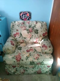 Two Sofas in a really good conditions for only $30 Winnipeg, R2Y 2B3