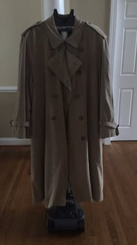 Like new. Brooks Brothers double breasted full length trench Ashburn, 20147
