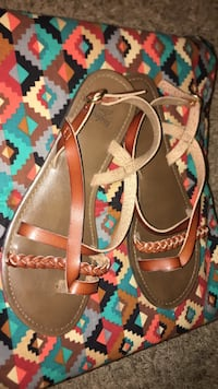 pair of brown leather sandals Davenport, 52802