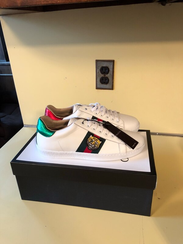 61f0af29147 Used Gucci White Tiger Sneakers for sale in Clifton - letgo