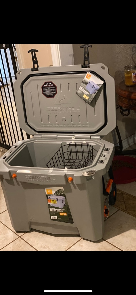 Photo Ozark Trails High Performance 60 Qt Rolling Cooler ice up to 8 days
