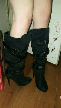 pair of black leather boots Metairie, 70003