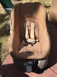 baby's brown and white car seat carrier Longueuil, J4L