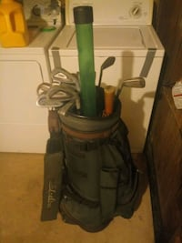 Golf bag with clubs and accessories 38 mi