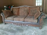 Leather and solid wood couch and loveseat Brandon, 39047