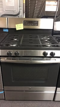 GE gas Stove open box new  Windsor Mill, 21133