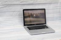 """Late 2008 Macbook 13"""" – 120 GB SSD – Core 2 Duo – Working Great Vancouver"""