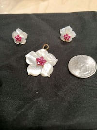 10kt earrings and pendant hibiscus mother pearl with rubies Rio Rancho