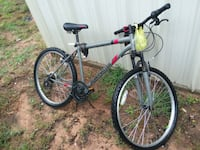 18 speed mountain bike just needs a front tube  Odessa, 79761