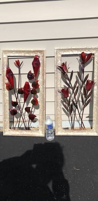 Red and white flower metal wall art Leesburg, 20176