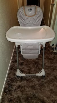 CHICCO BABY HIGH EATING CHAIR