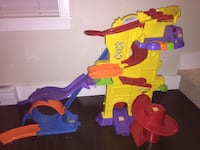 Purple and yellow plastic toy set Langley, V2Y 0J7