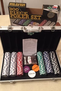 NEW SEALED 300 piece Poker Set in aluminum Case $25 Mint Hill, 28227