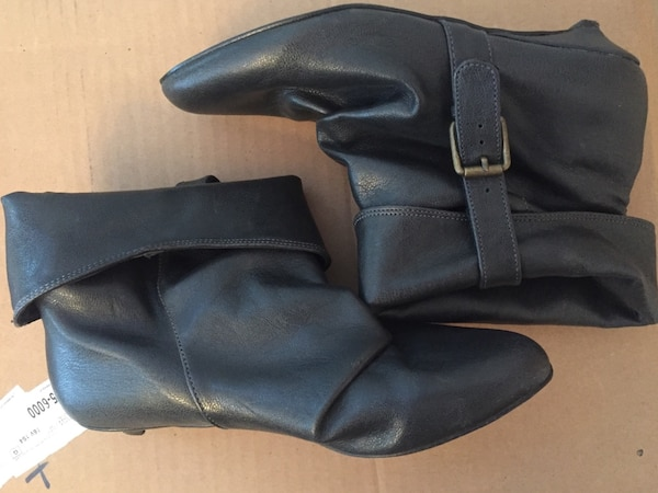 8c5c454a93d6bb Used Black booties - Size 7 for sale in Edmonton - letgo