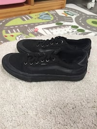 Black vans 9.5 Port Coquitlam, V3B